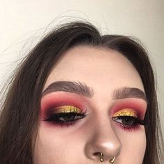 WEBSTA @ emsmcl - Close up of my eye makeup the other day ⭐️ ...Products :  @esteelauder double wear concealer 'light' @rcmamakeup no colour powder @anastasiabeverlyhills dipbrow 'dark brown' @illamasqua brow build 'thrive' @morphebrushes 35C palette @limecrimemakeup Venus I palette 'muse' @inglotuk matte eyeshadow '301' @makeupgeekcosmetics 'lemon drop' eyeshadow @smashboxcosmetics always sharp kohl 'black' @armani eccentrico mascara '01' @nyc_cosmetics_ liquid liner 'black' lashes are…