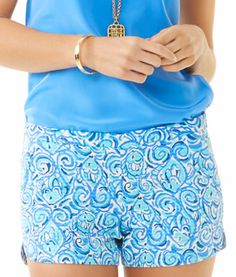 Lilly Pulitzer Adie Short in Resort White & Blue Chasing Tail