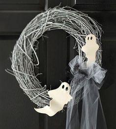 basteln zu halloween türkranz deko idee gespenster schleife