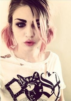 Kurt Smokey Eyes T-Shirt Girls White Cobain Weed Drugs Dope Nirvana Gras