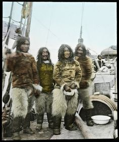 Tinted photograph of inuit from Greenland aboard the Gjoa, the first ship through the Northwest Passage, Native American Photos, Native American Indians, Old Photos, Vintage Photos, Greenland Travel, Inuit People, Inuit Art, Arctic Circle, Fauna