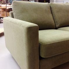 SOFA OF THE DAY Malli / Model: Monikko Kangas / Fabric: Easy 72 Olive  #pohjanmaan #pohjanmaankaluste #käsintehty
