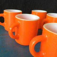 Vintage Coffee Cups, Vintage Bowls, Vintage Dishes, Vintage Pyrex, Pink Pyrex, Pyrex Set, Pottery Plates, Ceramic Plates, Coffee Mug Sets