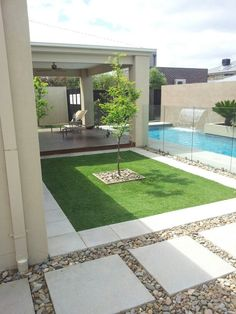 Love this outdoor landscaping landscaping pavers Front House Landscaping, Small Backyard Landscaping, Backyard Patio Designs, Modern Backyard, Backyard Ideas, Small Backyard Design, Desert Backyard, Patio Ideas, Diy Concrete Patio