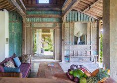 Ein Haus aus Bambus, eine Künstlervilla, ein Piratentraum und ein Leben in der Natur: Anna präsentiert euch die 9 schönsten Airbnb-Unterkünfte auf Bali.