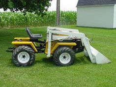 Any sites for Twister tractors? Small Tractors, Compact Tractors, Garden Equipment, Outdoor Power Equipment, Tractor Snow Plow, Types Of Lawn, Homemade Tractor, Atv Trailers, Ford Tractors