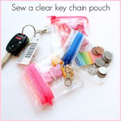 Natalie from HungryHippie Sews shows how to sew the cutest little keychain zip pouches. They're made from clear vinyl so you can see exactly what's inside. With the entire pouch made … Diy Pouch No Zipper, Zipper Pouch Tutorial, Zipper Bags, Diy Zip Pouches, Coin Purse Tutorial, Tote Tutorial, Tutorial Sewing, Bag Patterns To Sew, Sewing Patterns