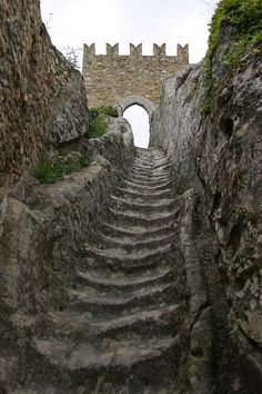 Sicily: Worn by countless medieval soldiers over the centuries, these stone stairs lead to Sperlinga Castle. In the year during the period of the Sicilian Vespers, a French garrison barricaded itself inside, resisting the siege for an entire year Chateau Medieval, Medieval Castle, Stone Stairs, Castle Ruins, Stairway To Heaven, Oh The Places You'll Go, Abandoned Places, Stairways, Paths