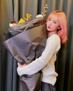 South Korean Girls, Korean Girl Groups, Win My Heart, G Friend, Girls In Love, My Sunshine, Girl Crushes, Aurora Sleeping Beauty, Singer