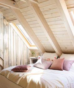 Хозяин этого прекрасного деревянного дома в одном из горнолыжных курортов севера ...