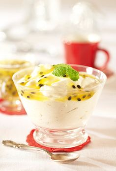 Jouluinen mangorahka ja passiokastike / Mango Quark and Passion Fruit Dressing. Fruit Dressing, Christmas Baking, Yummy Cakes, Sweet Recipes, Panna Cotta, Deserts, Food And Drink, Dessert Recipes, Ethnic Recipes