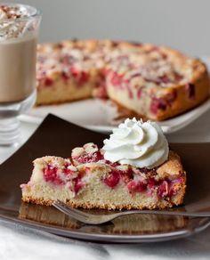 Strawberry cake with corn flour