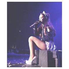 Ariana performing at the first show of The Honeymoon Tour in Independence - FEBRUARY - Ariana Grande 2010, Ariana Grande Bikini, Ariana Grande Legs, Ariana Tour, Ariana Grande Photoshoot, Ariana Grande Pictures, Bae, Celebrity Fashion Looks, Light Of My Life