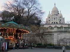 Sacré Coeur is one of my favorite places on Earth.   Minus all the crowds & the hecklers that try to get you to buy a hand-made bracelet.