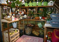 Garden Trends 2012 of the Dutch Garden Magazine Tuin - Colorful Greenhouse with Stylish Garden Accessories!