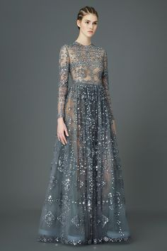 MIght this Valentino Pre-Fall look end up on a red carpet this awards season? Valentino - Pre-Fall 2015 - Look 97 of 97 Style Haute Couture, Couture Fashion, Runway Fashion, Latest Fashion, Oscar Fashion, Fashion 2015, Fashion Weeks, Style Fashion, Men's Fashion