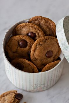 Coconut oil chocolate chip cookies | Travelling oven