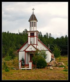 Country Church, Pagosa Springs CO . I was born in Pagosa Springs CO. Old Country Churches, Old Churches, Houses Of The Holy, Pagosa Springs, Take Me To Church, Cathedral Church, Church Building, Church Architecture, Place Of Worship