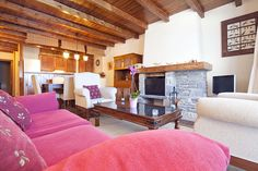 Bonito apartamento en Pleta de Aneu con capacidad para 8 personas. www.pirinalia.com