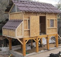 Chicken Coops: Why Raise Chickens? Diy Chicken Coop Plans, Backyard Chicken Coops, Building A Chicken Coop, Chickens Backyard, Chicken Shack, Chicken Coup, Keeping Chickens, Raising Chickens, Bird House Plans