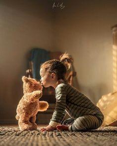 Teddy bear children's photography idea Girl Photography, Children Photography, Photography Ideas, Animal Photography, Cute Kids, Cute Babies, Kind Photo, Foto Baby, Jolie Photo
