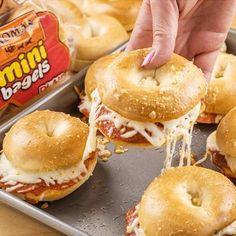 Thomas Recipe: Mini Bagel Pizza Sliders