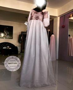 Платье из ткани Лиза Осенний вариант По груди и спинке красивый блеклободовый гепюр А низ платья идет со слоем сетки. Можно так же подобрать расцветки на ваш вкус  Цена платья 6000₽