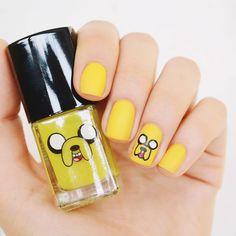 Nail art: Jake the Dog – Adventure Time    por Bruna Vieira | Depois dos Quinze       - http://modatrade.com.br/nail-art-jake-the-dog-a-adventure-time