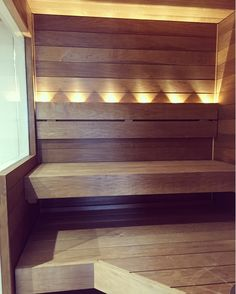 Ikkunan korkeus suhteessa lauteisiin Sauna Lights, Modern Saunas, Spa Rooms, Own Home, Home And Living, Master Bath, Sauna Ideas, Outdoor Living, Shelves