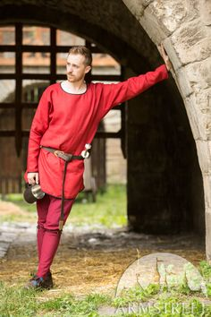 Medieval Tunic Reenactment Red Color New Design Best Look Medieval Tunic, Medieval Clothing, Mens Tunic, Viking Costume, Renaissance Wedding, Cotton Tunics, Long Sleeve Tunic, Thing 1 Thing 2, Workout Tops