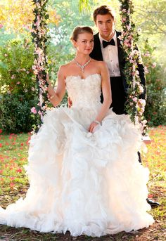 See new photos of Revenge's Emily Thorne and Daniel Grayson's wedding, featuring costars and real-life couple Emily VanCamp and Josh Bowman Emily Vancamp, Movie Wedding Dresses, Wedding Movies, Wedding Gowns, Wedding Bride, Emily Thorne, Wedding Swing, Dream Wedding, Boda Audrey Hepburn