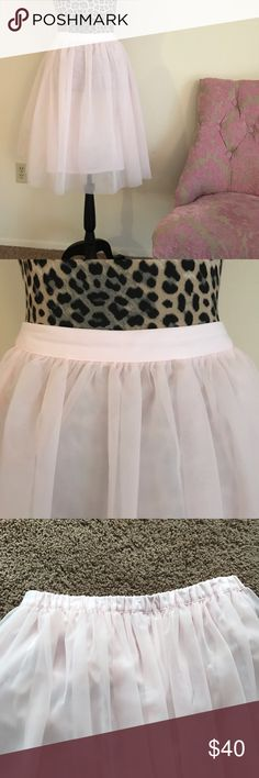 """Pink tulle LC CINDERELLA collection skirt Hello Carrie Bradshaw! 24"""" long tulle skirt. Stretch waist LC Lauren Conrad Skirts Midi"""