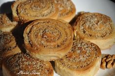 Snails with walnuts, for post Cheesecake Fruit Salad, Low Carb Recipes, Vegan Recipes, Weight Watchers Meal Plans, Low Carb Meal Plan, Chicken Salad Recipes, Pastry Cake, Some Recipe, Food Packaging