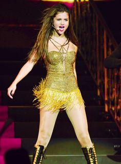 Selena gomezs stars dance tour 2013 selena gomez style selena gomez stars dance tour voltagebd Image collections