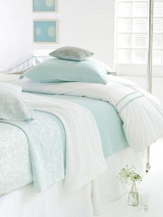 White and robin's egg blue: such peaceful, restful choices for a bedroom.