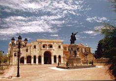 Catedral Santa María de la Encarnación, Zona Colonial, Santo Domingo, D.N., R.D.