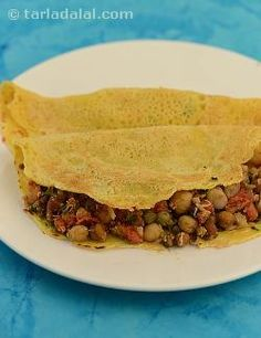 Chilas are delicious pancakes unique to the desert province of Rajasthan. This versatile stuffing can also be used as a sandwich spread or be wrapped in chapattis... relish it the way you like it best!