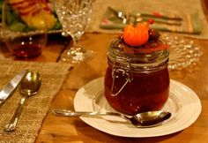 what a cute way to serve cranberry sauce on thanksgiving!