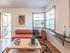 Only 6 blocks from the beach, come stay in bright & comfortable cottage!Vacation Rental in Venice Beach from @homeaway! #vacation #rental #travel #homeaway