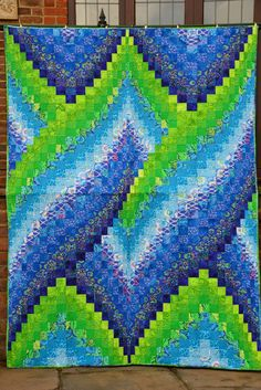 bargello mountains - Google Search | Hexagon patchwork, Bargello, Patchwork quilts Hexagon Patchwork, Patchwork Designs, Bargello Quilt Patterns, Arm Machine, Fun Days Out, Free Motion Quilting, Cosmic, Scary, Daisy