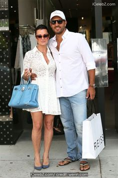 Kyle Richards  and family on shopping spree on Robertson http://icelebz.com/events/kyle_richards_and_family_on_shopping_spree_on_robertson/photo2.html