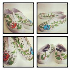 """Zapatillas pintadas a mano """"El arte es amor infinito"""" p.nitas* handpainted sneakers. + info? http://pnitas.es/shop/"""