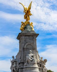 Victoria Memorial London #greatbritain  #england #statue #buckinghampalace #victoriamemorial #monument #london #thisislondon #morning #blue #gold #trip #travel #traveler #travelphotography #explore #enjoy #londonlife #picoftheday #bestoftheday #worldcaptures #wpofavs #bestphoto #bestpicture #canon #canonME #canonphotography #love #britain by marwa_gads