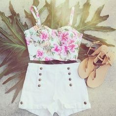 I love this summer outfit!!