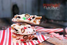 Christmas Peppermint Bark #Recipe is so easy and delicious, perfect as a gift idea too #ZiplocSavesSpace #ad