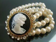 Love pearls, love cameos!