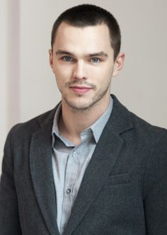 Nicholas Hoult and his beautiful peepers.