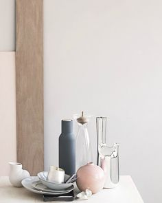 White color combo with wood pale pink and grey