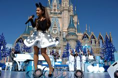 Ariana Grande Photos - 'Disney Parks Unforgettable Christmas Celebration' Taping at Walt Disney World - Zimbio Ariana Grande Disney, Ariana Grande Photos, Cat Valentine, Disney Christmas Parade, Disneyland Christmas, Disney Holidays, Christmas 2015, Merry Christmas, Celebrity