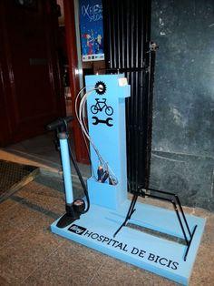Bike hospital. http://bike2power.com  tal vez poner aire afuera del local para llenar las llantas de bici :)